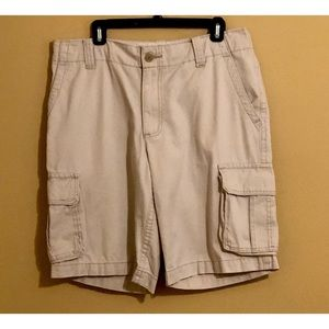 Men's light tan Aero Cargo Shorts, Size 34